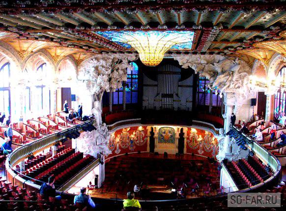Зал Дворца музыки в Барселоне, фото