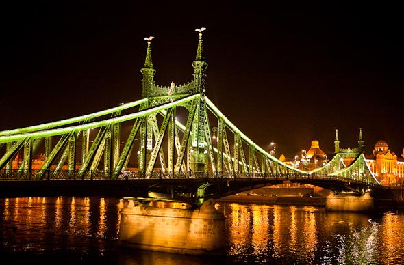 Венгерское консульство в Москве активно выдает мультивизы
