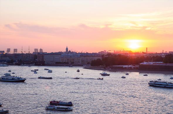 Ночная водная экскурсия по Санкт-Петербургу