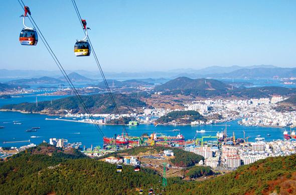 В Южной Корее можно прокатиться на канатной дороге над морем