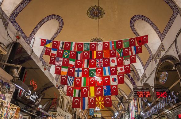 Турция стала больше зарабатывать на туризме и сериалах