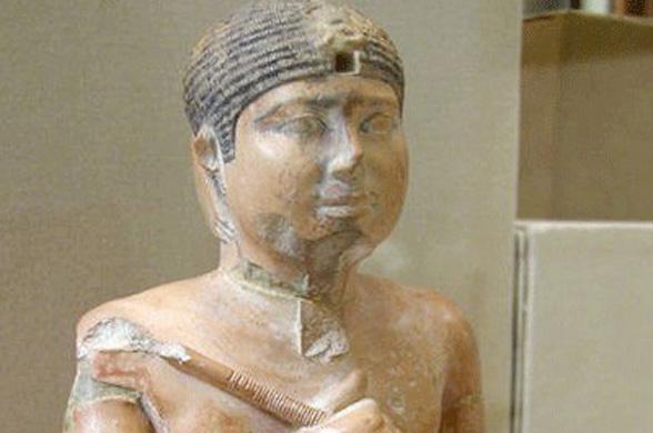 В Египте обнаружили гробницу неизвестной царицы