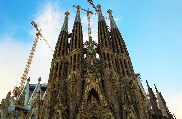 Саграда Фамилия в Барселоне: подготовка к посещению