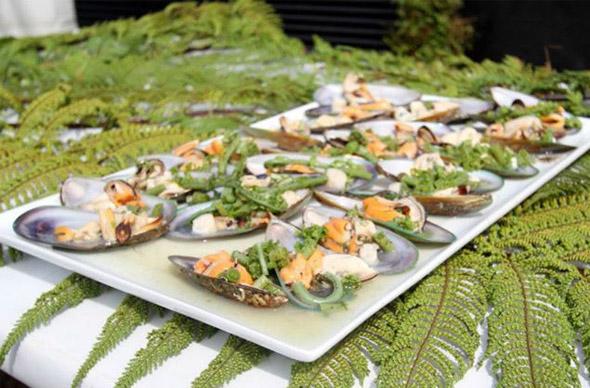 Кузнечики и личинки: фестиваль «дикой» кухни в Новой Зеландии