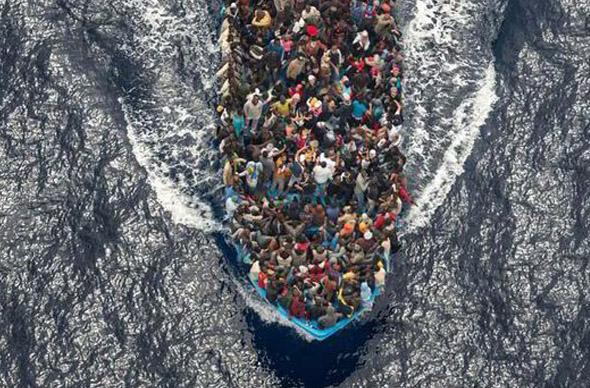ЕС предложил топить суда для перевозки мигрантов из Ливии