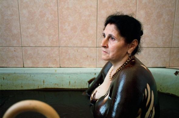 В Азербайджане можно искупаться в нефти