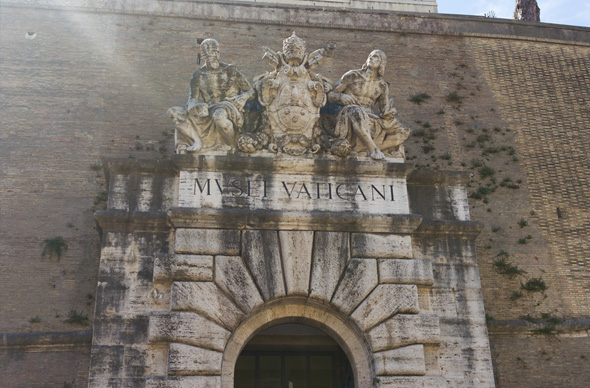 Из-за жары туристы не могут насладиться сокровищами Ватикана