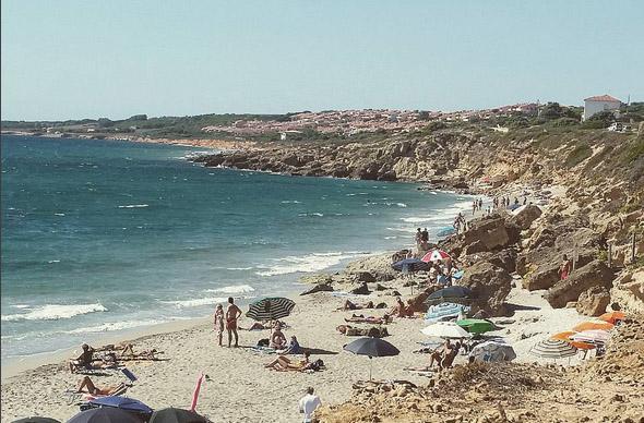 Сардинию могут разобрать на сувениры