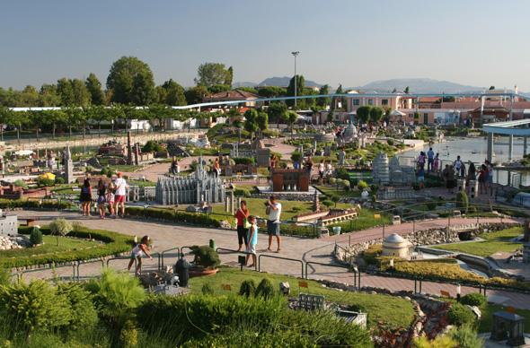 Посмотреть на Италию в миниатюре можно недалеко от курорта Римини