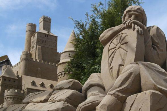 В Голландии построили два настоящих отеля из песка