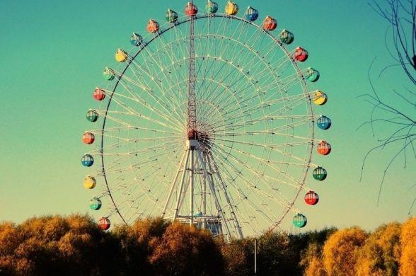 В Париже скоро можно будет ночевать в колесе обозрения