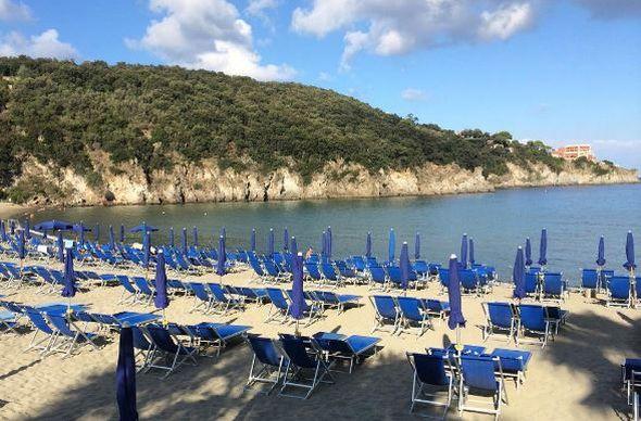 В Италии будут штрафовать за бронирование мест полотенцами на пляже