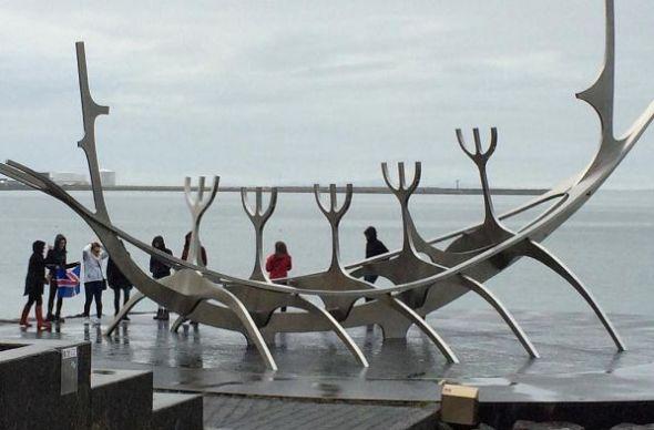 Туристы превратили Исландию в Диснейленд