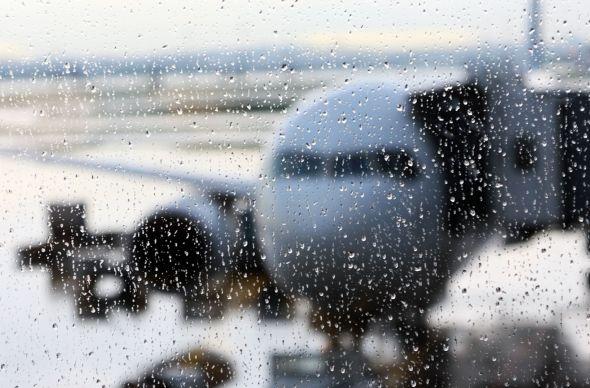 В Москве отменяют рейсы из-за сложных погодных условий